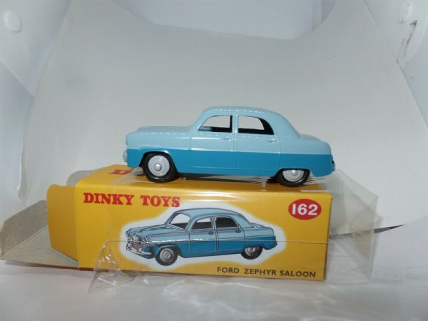 Atlas French Dinky 162 FORD ZEPHYR SALOON TWO TONE BLUE